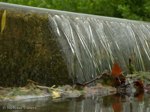 schlosspark, Stuttgart - nappe of a submerged weir