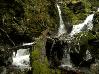 a Secret water fall between the saddle and Nina Hut, You have to guess at a side trail and veer off the main path.